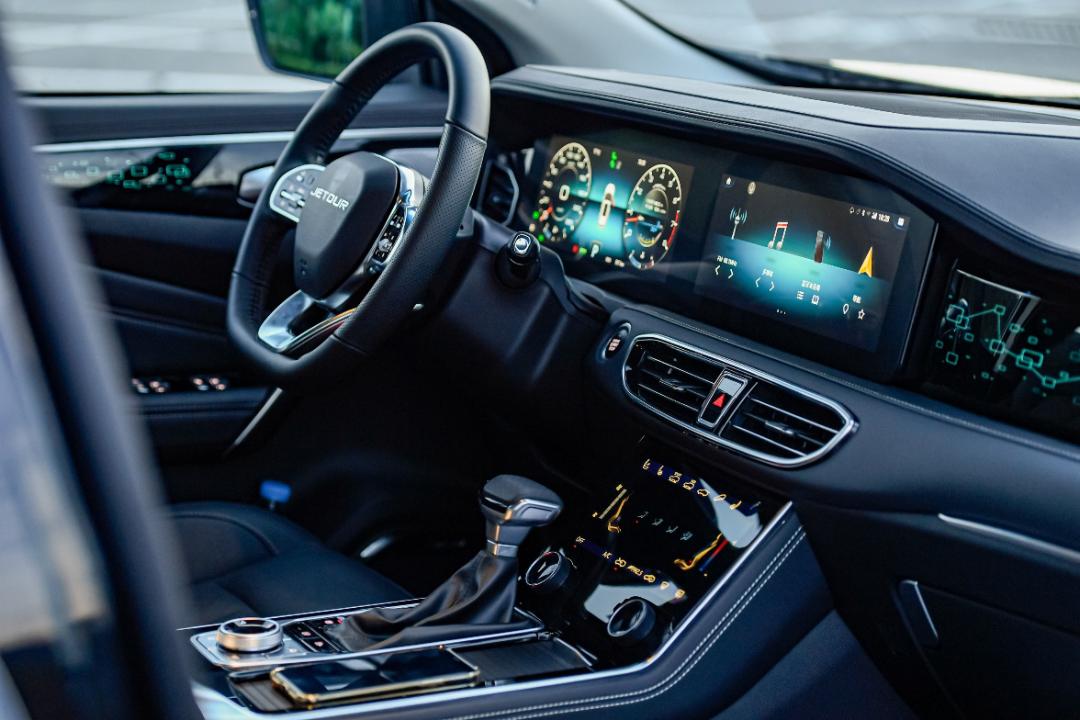 试驾全新一代捷途X90:内饰全面换新,价格杀手迎来大进化