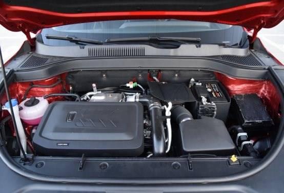 汽车的发动机  描述已自动生成